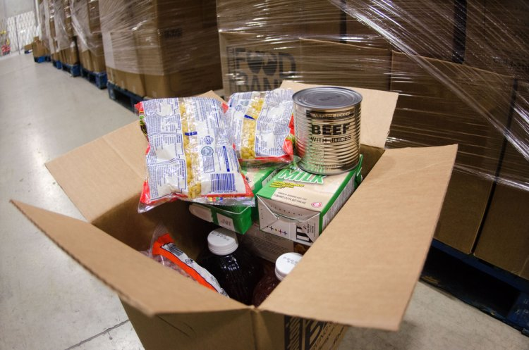 Millions of hungry Americans turn to food banks for 1st time