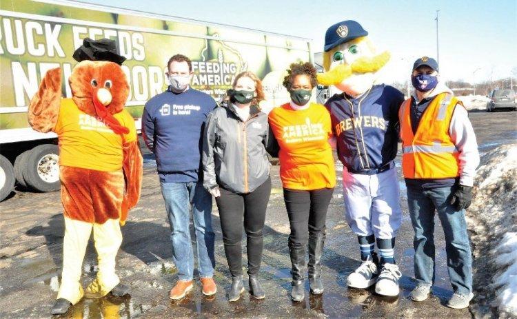 Meijer donates 6,000 turkeys to Milwaukee families facing hunger