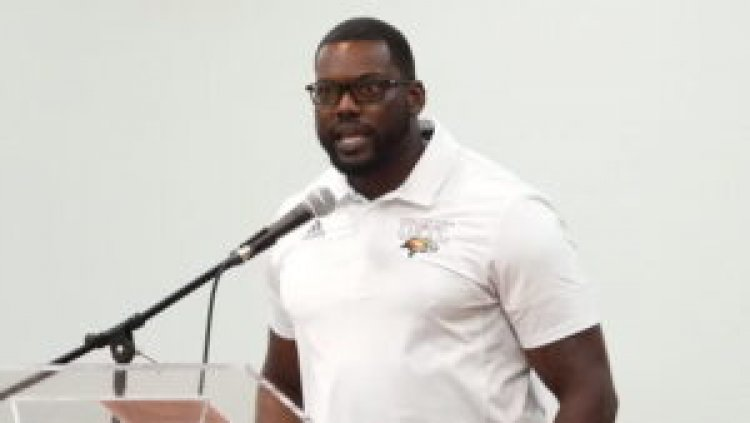 Ex-Miami Dolphins Pro Bowler Draws On Deep Football Experience In First Head-Coach Role